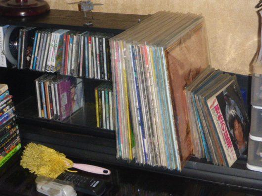 レコードとCDを取り出しやすくする