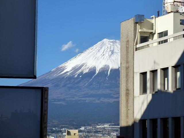 富士駅付近からの富士山4