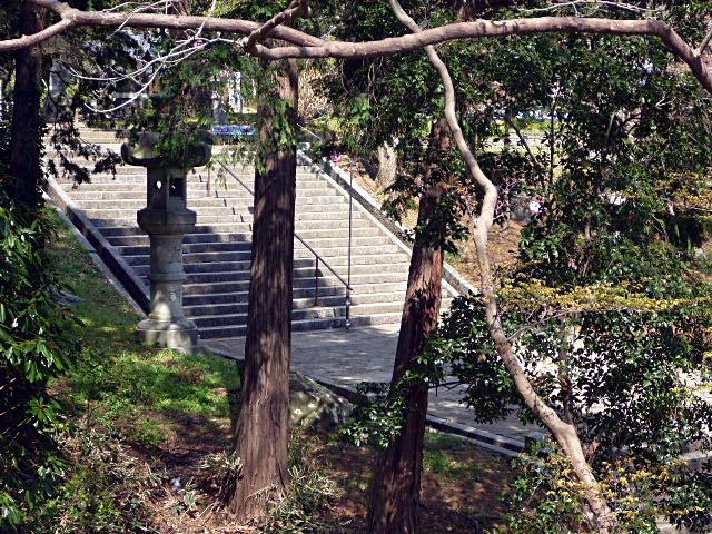 駐車場への階段